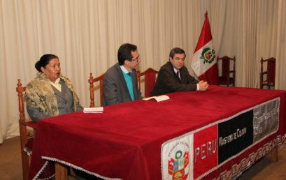 Conferencia de Agustín Azkarate en Cuzco (Perú)